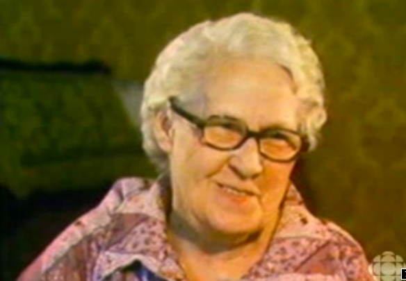 Goldie Holmes appearing on a 1980 episode of the CBC-TV series Heartland. As she answers questions in her Queensborough living room she looks so – well, so Goldie. You have to love her smile.