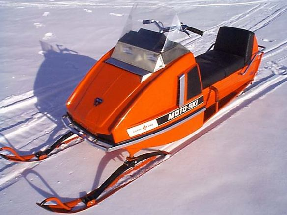 This is what I'm talking about: a 1972 Moto-Ski Capri 292, and the photo comes from rws on the site SledMI.com.