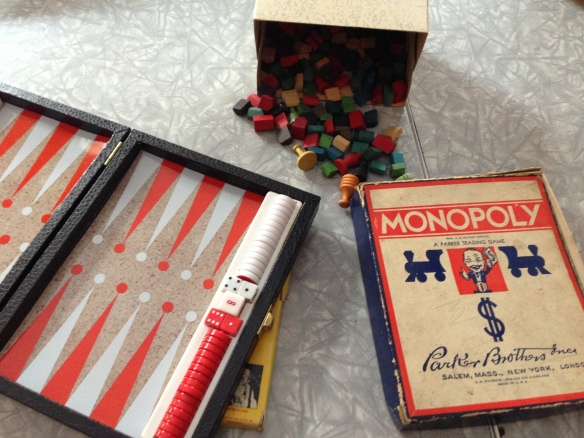 The latest vintage games to arrive at the Manse: backgammon and a very old Monopoly set.