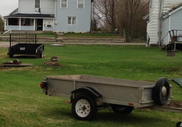 Just look at these fine trailers that two of our Queensborough neighbours have. How practical! I am deeply envious.