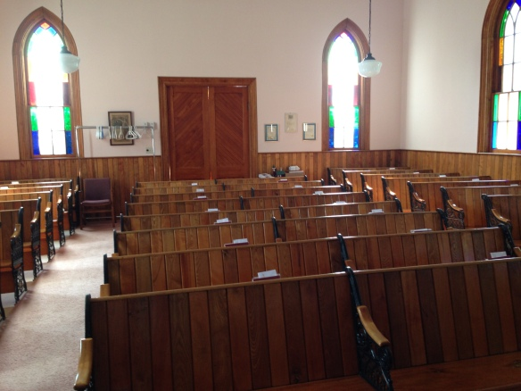 St. Andrew's United Church, interior