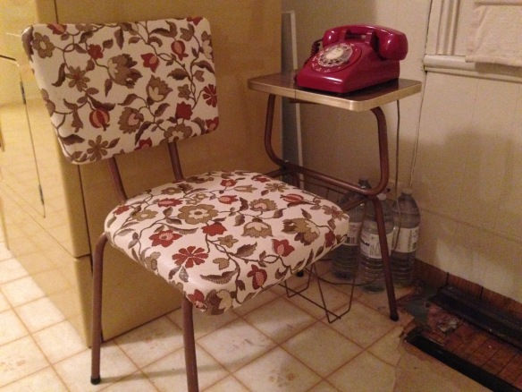 Manse telephone table