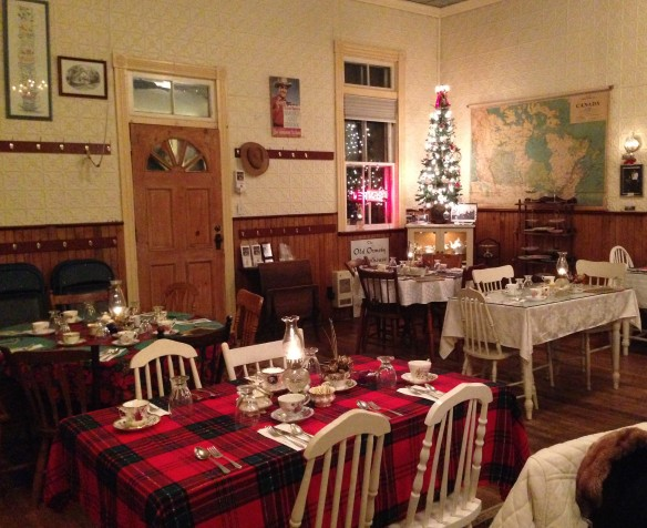 Awaiting the Christmas guests, Old Ormsby Schoolhouse