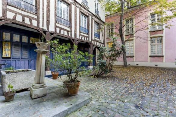 Rue Elzevir 1