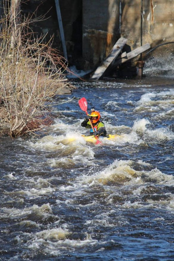 Kayaker below the dam, Queensborough