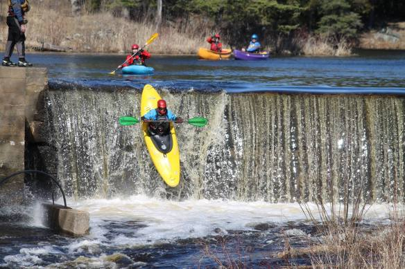 Kayakers going over the dam, Queensborough