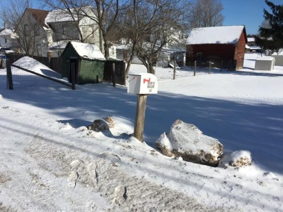 Manse mailbox