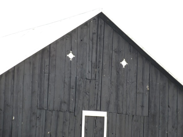 Hastings County barn 1