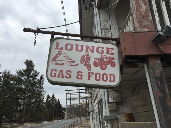 Lounge: Gas and Food